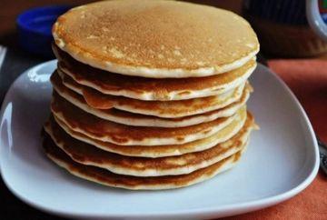 """Cea mai buna reteta de clatite americane! Sunt gata cat ai zice """"pancake"""""""
