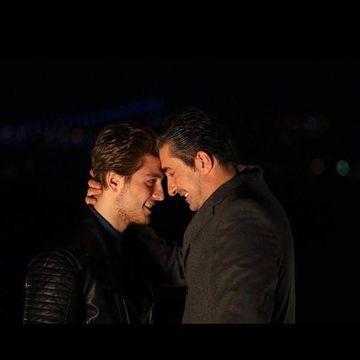 """Imagini de senzatie cu Erkan Petekkaya si fiul lui din serialul """"Furtuna pe Bosfor!"""" Cum se distreaza Cihan si Ozan atunci cand nu sunt filmati"""