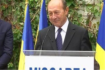 Intaiul bunic al tarii s-a razgandit! Traian Basescu intra in PMP