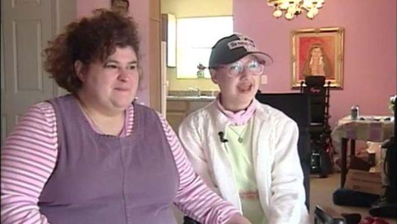 I-a cerut iubitului sa faca cel mai monstruos lucru cu mama ei, dupa care a postat pe Facebook un mesaj incredibil!