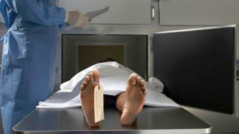 Era la morga si se pregatea sa inceapa o autopsie, dar cand a ridicat