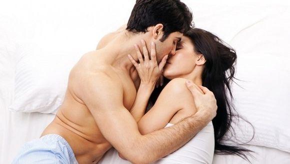 Cei mai buni barbati la pat, in functie de zodie: 6 armasari care fac femeile sa-si doreasca mai mult