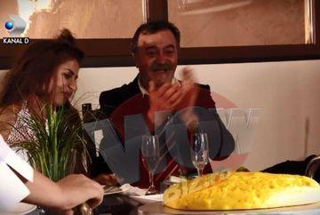 """Mamaliga, tortul mirilor la """"Vacanta Mare – Comoara din Sadova""""! Vezi cum arata momentul taierii """"prajiturii"""", in episodul de sambata, de la 21.30, la Kanal D"""