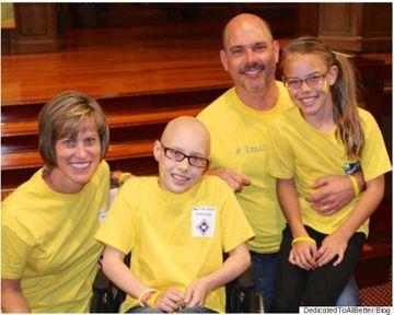 La doar 12 ani, i-au gasit o forma grava de cancer si au vrut sa ii taie piciorul, apoi au incercat ceva nemaiauzit! Cum arata fata care are glezna pusa in locul genunchiului