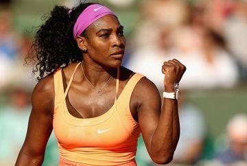 Serena Williams a pozat topless! Imaginile cu celebra sportiva, aproape nud, au facut incojurul planetei! FOTO