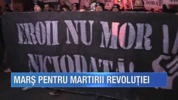 Eroii martiri ai Revolutiei au fost comemorati la Timisoara printr-un mars impresionant