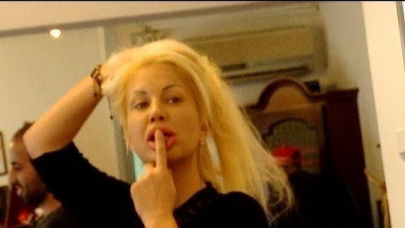 Valeria de Monaco, tratament inedit pentru par! Uite cum a folosit Cola in loc de sampon