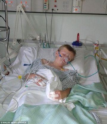 Un leac BABESC pentru raceala l-a bagat in spital, cu arsuri pe 20% din suprafata corpului. Medicii ii IMPLORA pe parinti sa nu il mai foloseasca