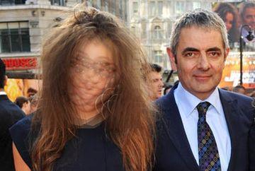 Toata lumea il stie pe Mr. Bean, dar stiai ca are o fata? Lily are 20 de ani si NU seamana cu tatal ei! Tanara arata BESTIAL! FOTO