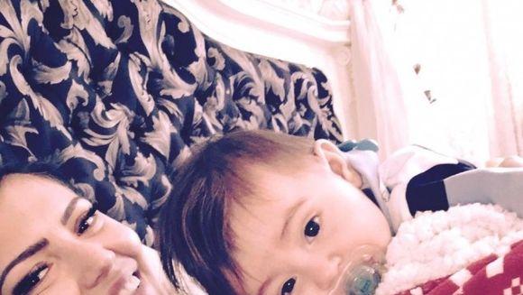 """Andreea Mantea si-a facut un selfie cu baiatul ei! """"Ce ingeras frumos"""" - Vezi ce simpatic e David!"""
