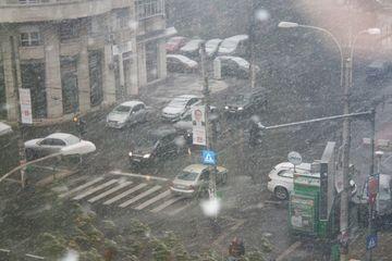 AVERTIZARE METEO: Incepand de vineri vor fi precipitatii pe arii extinse! Cum va fi vremea in weekend