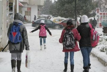 Cand vor reincepe scolile in Bucuresti si in celelalte judete afectate de ninsori si viscoli!