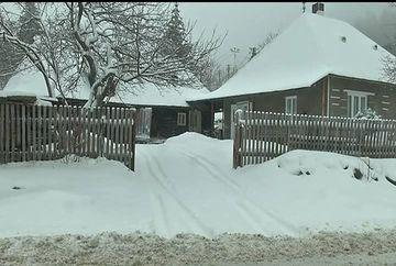 Dupa temperaturi de primavara, mai multe zone din tara au fost lovite de ninsori puternice.