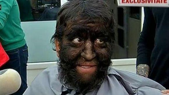 Schimbare de look pentru Omul-Lup! S-a tuns, si-a aranjat barba si a scapat de parul de pe umeri si de pe spate! Uite cum arata acum