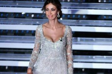 Madalina Ghenea a stralucit pe scena festivalului de la San Remo! Uite cat de frumoasa e in rochiile astea extravagante
