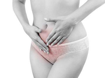 Toate femeile fac asta in timpul menstruatiei, insa niciuna nu stie cat de periculos poate fi! Iata ce trebuie sa eviti cand esti in acea perioada