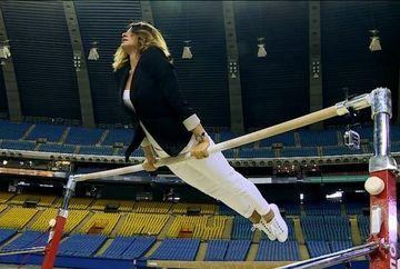 Nadia Comaneci s-a intors la Montreal, dupa 40 de ani! Uite cum s-a descurcat pe barna cea mai mare gimnasta din istorie