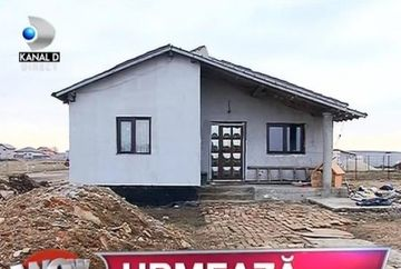 Bataie de joc! Cersetorii cu cainele de la Victoriei au distrus casa pe care Gigi Becali le-a daruit-o! Doamne in ce hal arata locuinta acum!