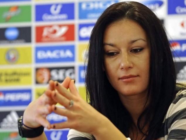 BOMBA! Raluca Sandu, acuzata ca ar fi spalat bani din fondurile FRF! Tatal ei i-a luat apararea