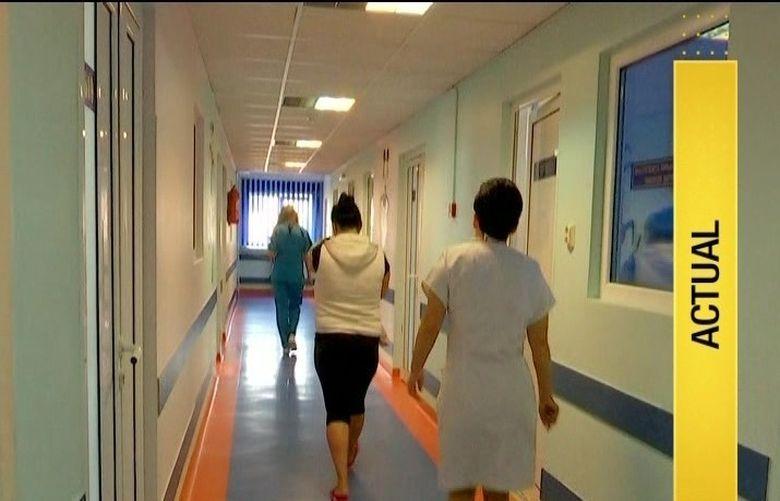 Medicul de garda de la spitalul din Pitesti nu le-a consultat copilul bolnav pentru ca dormea. Este dezvaluirea socanta pe care o face tatal unui baietel externat