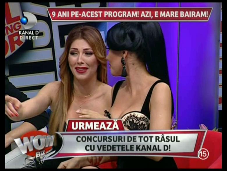 Madalin Ionescu si-a facut colegele sa rada cu lacrimi! Uite ce avea intre picioare!