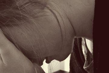 Parintii sunt in lacrimi! Ce a facut o fetita in varsta de 15 ani dupa ce a cunoscut pe Facebook un barbat cu 7 ani mai mare decat ea