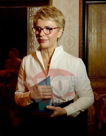 Teo Trandafir a fost premiata la Gala Premiilor Femeia Anului 2015!