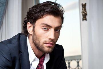 """Deniz ( Ceyhun Mengiroglu ) din """"Furtuna pe Bosfor"""" si iubita, de mana pe strazile unui carter select din Istanbul! Uite cine este frumoasa femeie din viata actorului. O recunosti?"""