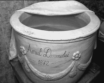 Miracole de Izvorul Tamaduirii? O femeie spune ca s-a vindecat cu apa sfintita