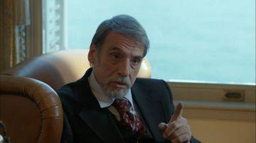 """Bomba! O superbitate de femeie i-ar fi spart casa actorului Civan Canova (Rhami) din """"Furtuna pe Bosfor"""". Sotia actorului a facut cateva acuzatii grave la adresa amantei. Uite cum arata cele doua femei din viata actorului"""
