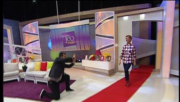 """Teo: """"Vrei asa mai pe sexoseala?"""" Uita-te aici, la mine! Prezentatoarea TV a pasit pe covorul rosu mai ceva ca o starleta"""