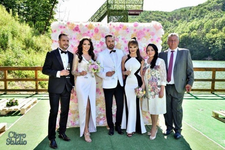 Madalin Ionescu si Cristina Siscanu, nasi de cununie in weekend! I-au cununat pe Phelipe si Anca Ciota - Distractia a fost pe masura si vedetele au stralucit