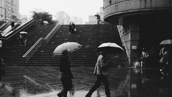 Avertizare meteo de ploi si vijelii! Afla in ce zone ale tarii se va schimba vremea
