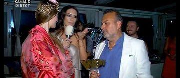 Presedintele Kanal D si-a sarbatorit ziua de nastere! Vedetele postului i-au fost alaturi la party! Haluk Kurcer a primit de la Iulia Albu trofeul WOW, Mantea si Vandici i-au cantat!