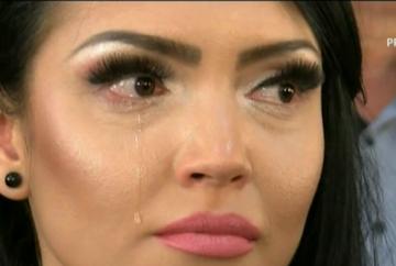 VIDEO Andreea Mantea a plans cu lacrimi pana la barba! Una din invitatele de la nunta a emotionat-o profund