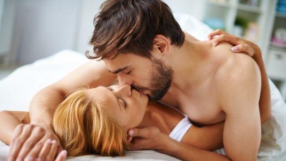 Ce ritual are inainte de o partida de amor, in functie de zodie? Leii sar peste preludiu