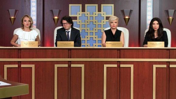 """Unul dintre juratii emisiunii """"Ne vedem la tribunal"""" are atestat de instructor de aerobic! Intra sa vezi despre cine este vorba! Nu rata emisiunea, difuzata in fiecare sambata, de la 21.30, la Kanal D"""