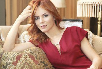 Fulya din Bahar: Viata furata, incident pe platourile de filmare ale serialului! Toti colegii de filmare au fost lati de ras cand au vazut ce i s-a intampalt actritei Didem Inselel cand filma o scena! VIDEO