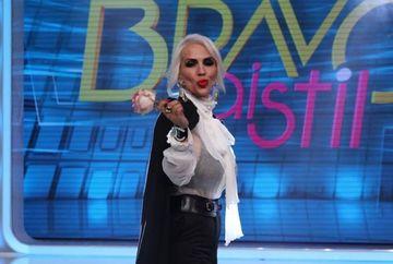 """Raluca Badulescu si-a luat rochia de mireasa cusuta cu fir de aur! Jurata de la """"Bravo, ai stil!"""" a facut o vizita fulger la atelierul de creatie al lui Catalin Botezatu! Iata ce alte modele de tinute a mai probat"""