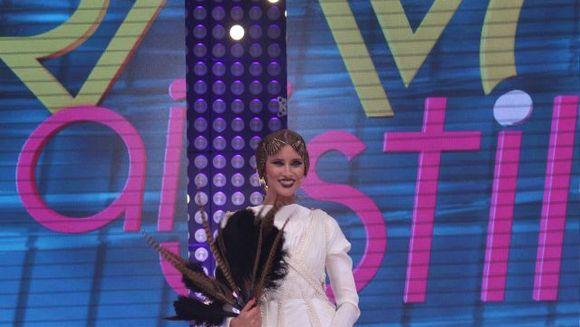 """Iulia Albu, cu o rochie pe care a aplicat 8.000 de perle! Tinutele juratilor din prima Gala a show-ului """"Bravo, ai stil!"""" valoreaza mii de euro! Nu rata duminica, de la ora 20.00, la Kanal D un show de senzatie"""