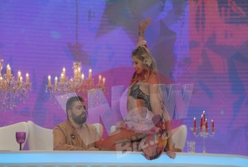 "Corina, show total la ""Bravo, ai stil!"" Artista a dansat pe masa juratilor in Gala difuzata astazi, de la 20.00, la Kanal D"