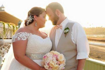 A devenit dependenta de mancare dupa ce sotul ei s-a sinucis. Insa, cand a ajuns la 150 de kilograme, a hotarat sa se transforme complet. A inceput sa isi faca cateo poza in fiecare zi timp de un an. Uite cum arata acum! E uluitor!