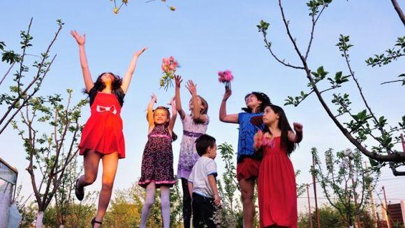 """""""Radacini tinere pentru padurile de maine"""" - Campanie de impadurire sustinuta de """"Scoala de Flori"""", in parteneriat cu Ploiesti Shopping City"""