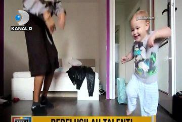 Prichindeii dansatori devin mici vedete in mediul virtual! Iata un top al celor mai haioase imagini care au facut inconjurul internetului