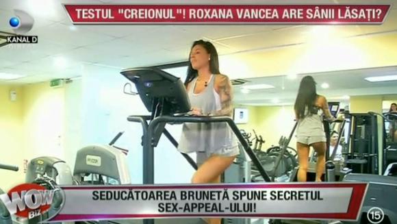 """Roxana Vancea face testul """"creionul"""". Are sau nu sanii lasati? Cum le raspunde bruneta carcotasilor"""
