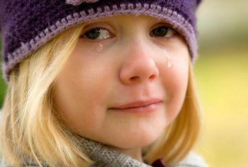 """A inceput sa planga cand parintii i-au spus ca fratiorul ei este grav bolnav: """"Ii creste ceva la inima!"""" Cu ochii in lacrimi, fetita de 6 ani si-a luat pusculita si s-a dus pe furis la o farmacie de langa bloc: """"Vreau sa cumpar un miracol"""""""