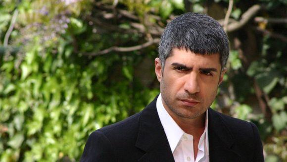Ozcan Deniz se teme de divort si nu de casatorie! Ce a spus celebrul actor despre frica de separare si de ce un barbat nu trebuie sa se casatoareasca inainte de 40 de ani
