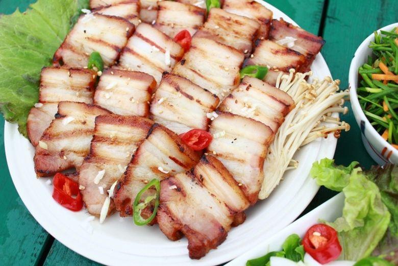 De ce este bine sa mananci slanina cu ceapa!