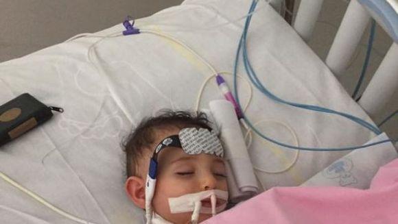 """Fetita lor se simtea rau, asa ca au dus-o la urgenta la un control. Diagnosticul a fost crunt: """"A intrat in coma. Deconectati-o de la aparate, e ca si moarta!"""" Parintii au refuzat cu incrancenare! E cutremurator ce s-a intamplat dupa 10 zile"""