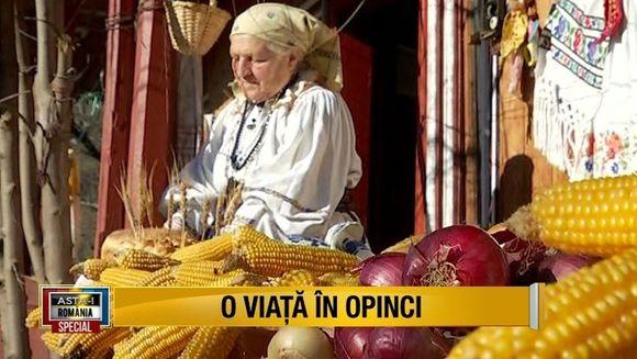 Romania de tezaur: Tanti Floarea, de la Bistrita, printre ultimele opincarese ale tarii, tine vie randuiala strabunilor, in speranta ca noi, cei din urma, ii vom continua mostenirea